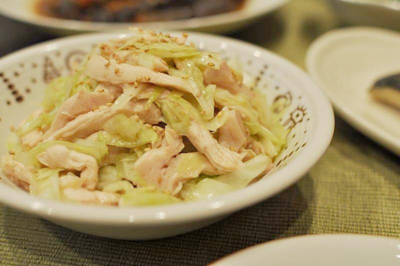 塩鶏とキャベツのサラダ