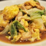 鶏胸肉とレタスの中華風卵炒め