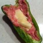 チーズ入りピーマン肉詰めのトマト煮
