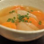 からだポカポカ大根とにんじんの生姜スープ