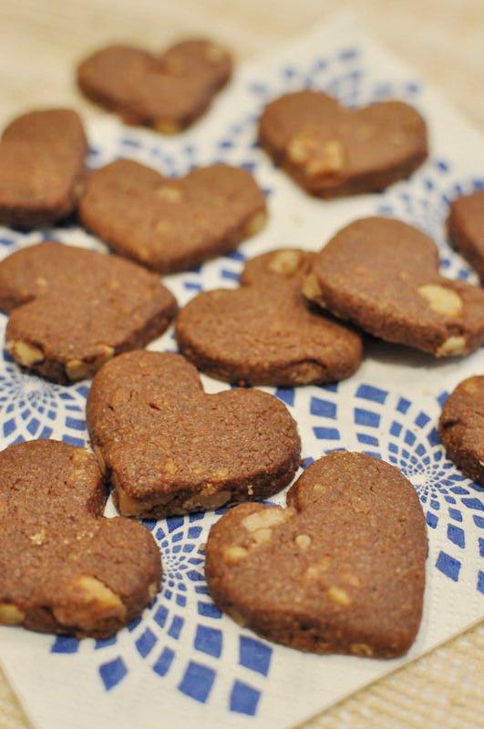 食べだすと止まらない!簡単クルミ入りココアクッキー