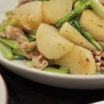 シンプルが美味しいかぶと豚肉の塩炒め