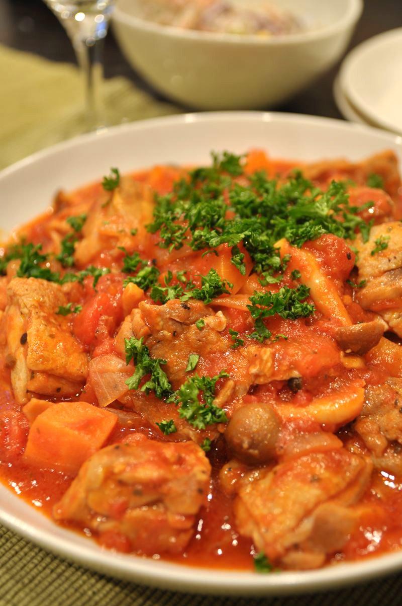 うま味たっぷり我が家の鶏肉トマト煮込み