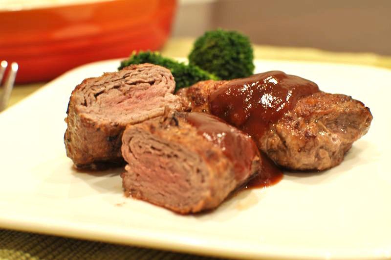 薄切りでもボリューム満点!牛肉ロールステーキ