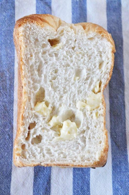 ホームベーカリーでゴロゴロチーズのパン・ド・ミ
