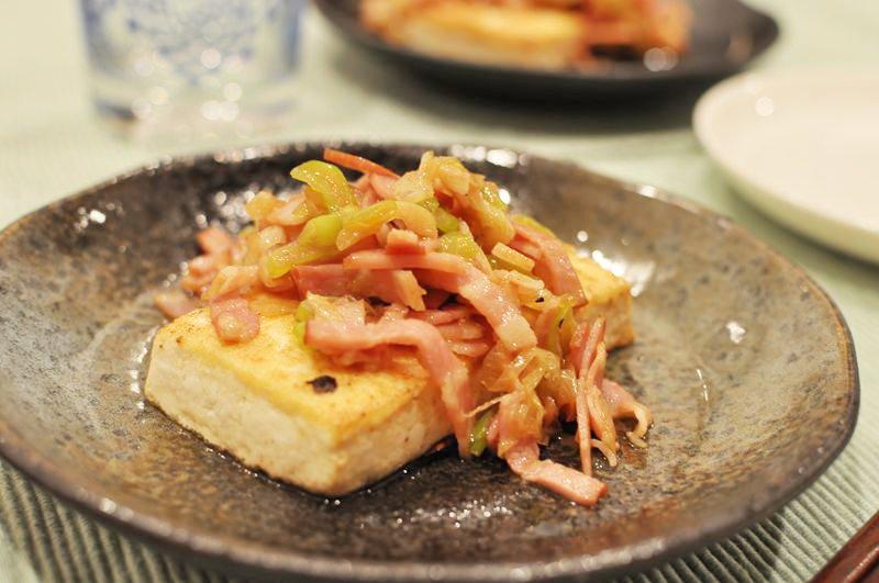 にんにくベーコンの豆腐ステーキ